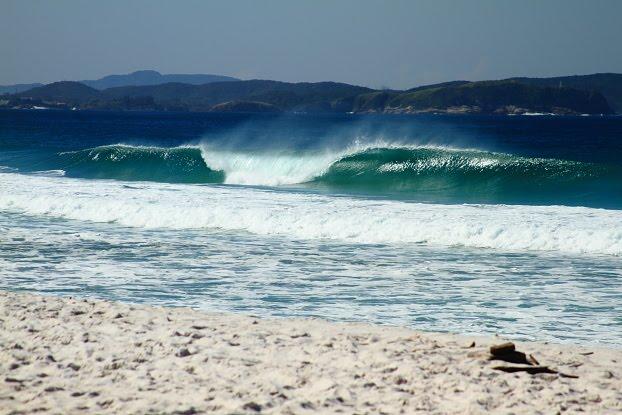 surf em cabo frio, praia do foguete, surf na praia do peru