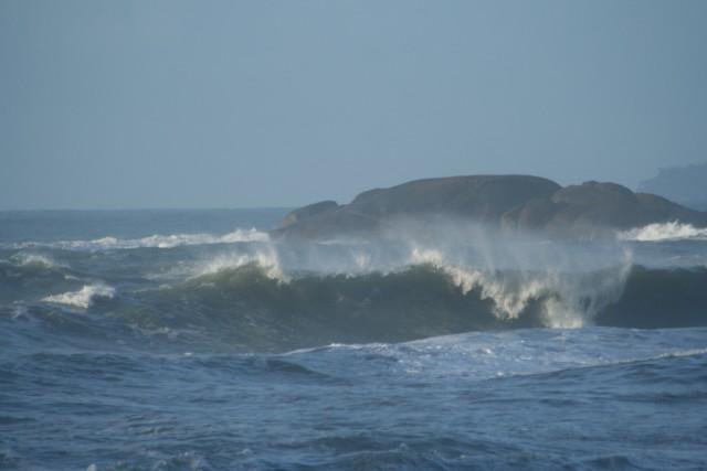 praia brava da almada ubatuba, praia brava da almada